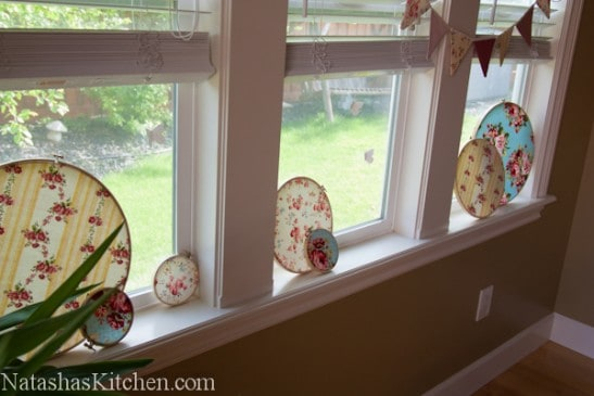 Floral decoration discs on window sills