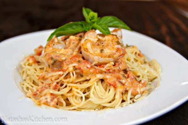 Spaghetti with shrimp in a creamy tomato sauce for Prawn and spaghetti recipe