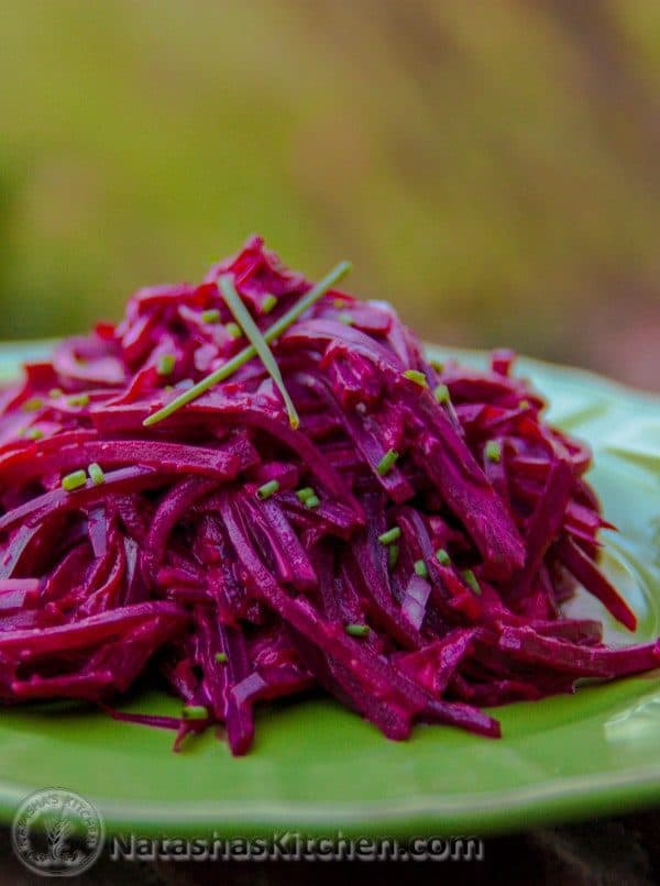 How to make beetroot salad with vinegar