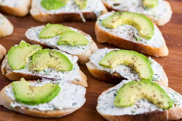 Canapes with garlic herb cream cheese and avocado for Canape garnishes