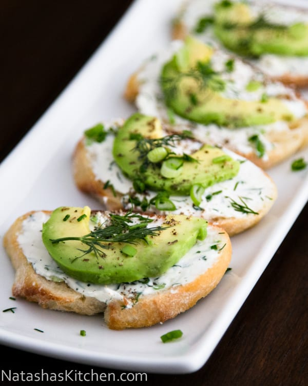 Canapes with garlic herb cream cheese and avocado for Gourmet canape ideas
