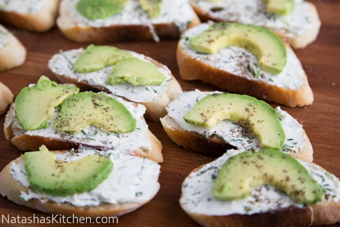 Cream cheese herb avocado canapes 8 for Cream cheese canape