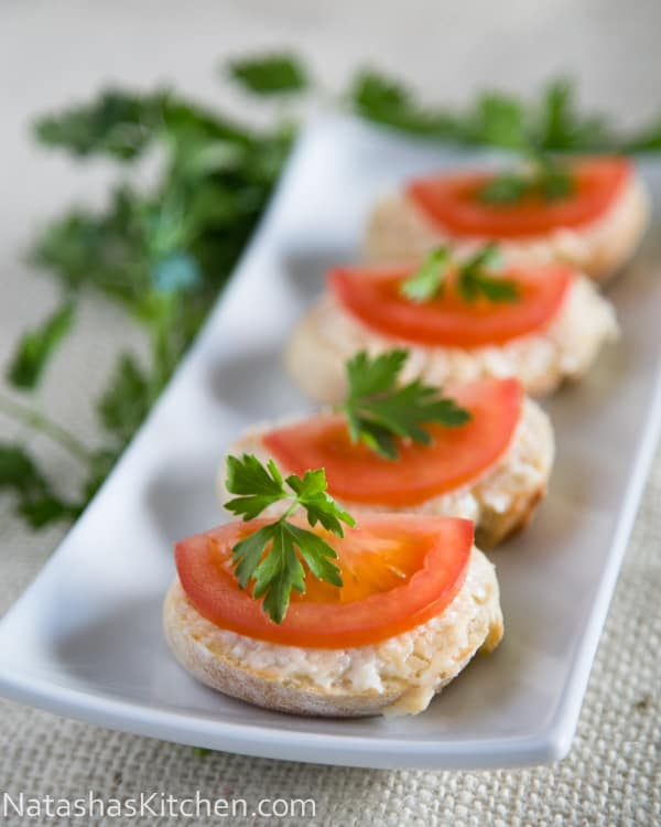 Gouda and tomato tea sandwiches recipe for Canape sandwich