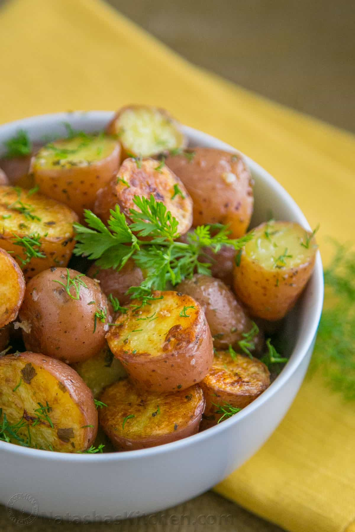 Easy Oven Roasted Baby Red Potatoes Natasha S Kitchen
