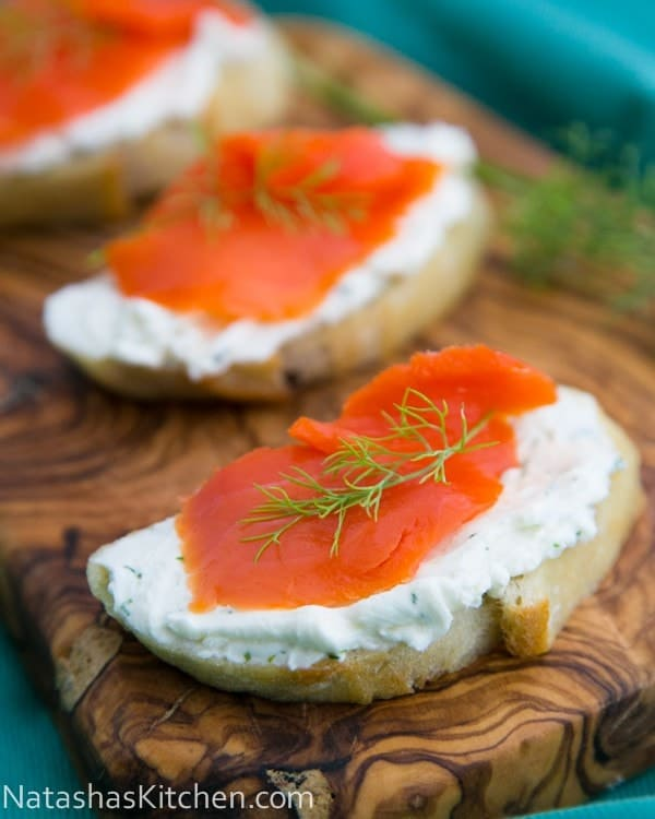 Smoked salmon tea sandwiches canap s for Smoked salmon cream cheese canape