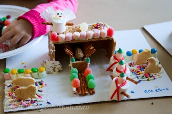 Gingerbread Manger Gingerbread House-7