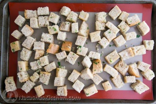 Easy Crunchy Garlic Croutons-8