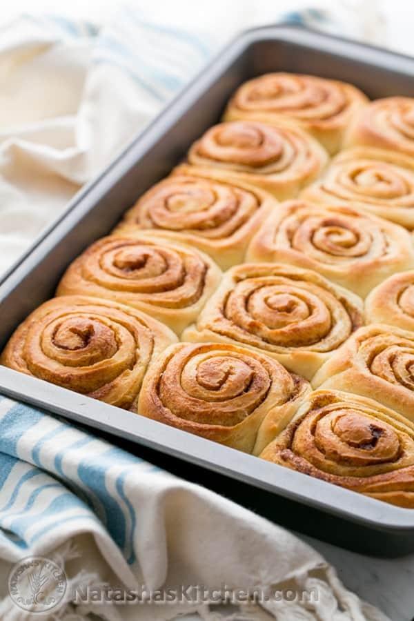 ... cinnamon rolls cinnamon buns with spiced maple glazed cinnamon rolls