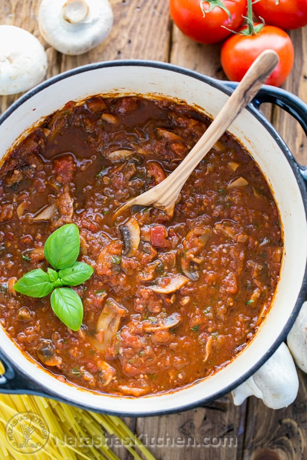 mushroom marinara that's 100x better than any canned sauce ...