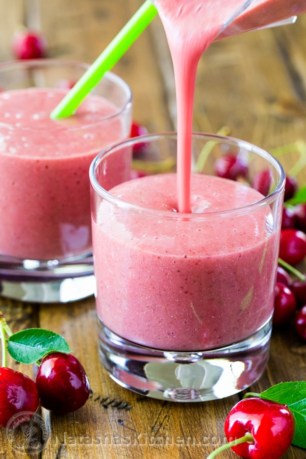 how to make a healthy frozen strawberry smoothie
