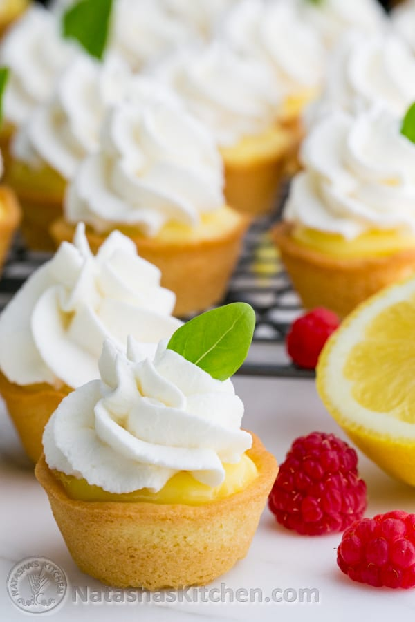 The lemon curd pairs perfectly with the crumbly soft cookie and lightly sweetened cream. Great party dessert! @natashaskitchen