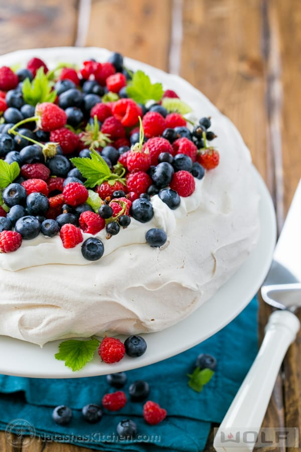 Berry Pavlova Recipe How To Make Pavlova Best Pavlova Recipe