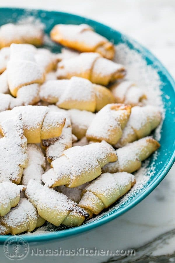 These mom's famous rugelach are really simple and quick to make! You will love these flaky, soft and perfect little Russian pastries.