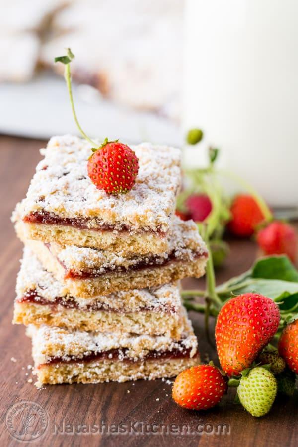 Strawberry cookie bars (tertiy pirog) from @natashaskitchen