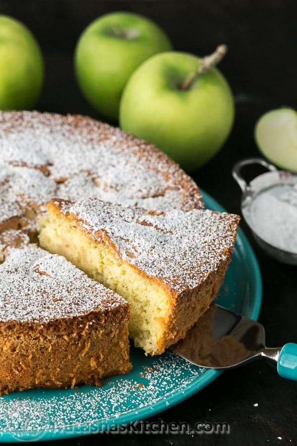 Sharlotka Russian Apple Cake