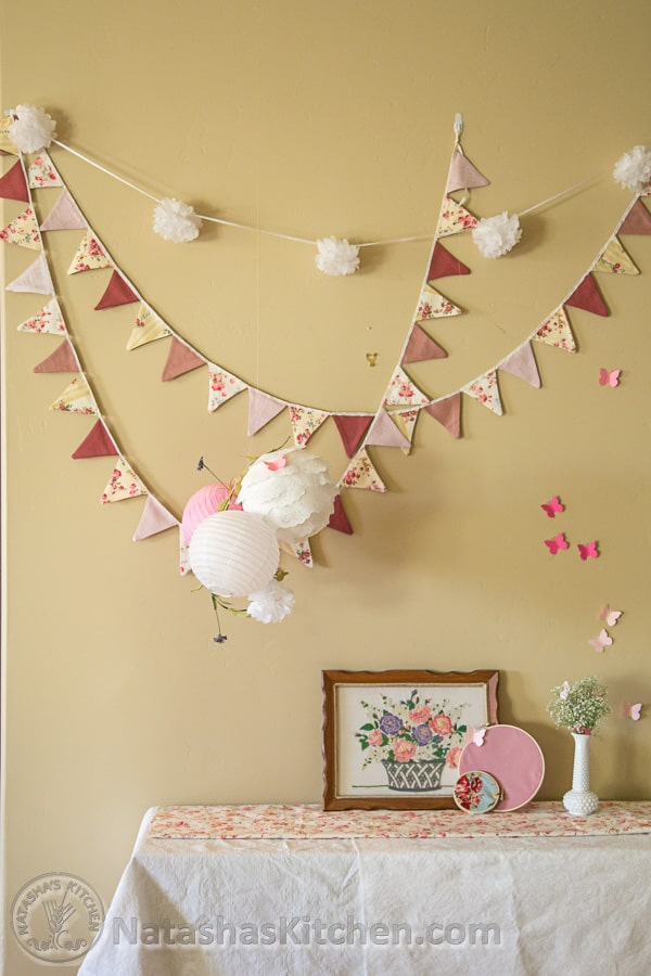 Shabby chic baby shower party menu baby registry ideas for Dekoration fur babyparty