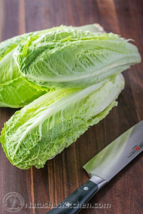 How to Cut Romaine Lettuce - A quick video tutorial @natashaskitchen
