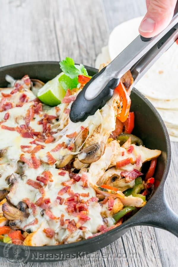 Chicken fajitas recipe chicken and mushroom chilis fajitas for Natashas kitchen