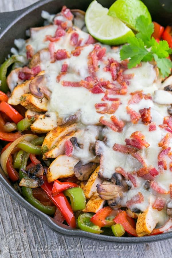 Chicken and Mushroom Fajitas - A Copycat Recipe for Chilis Restaurant Chicken Fajitas. So GOOD!! @natashaskitchen