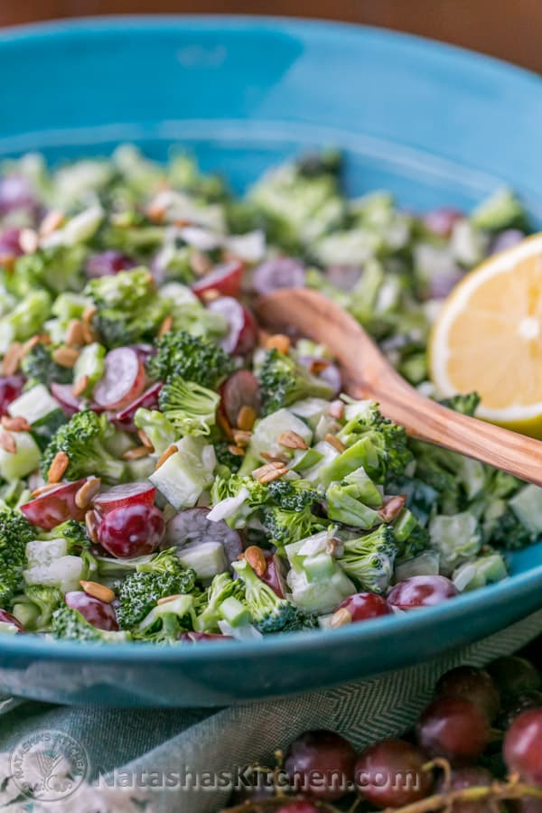 Broccoli grape and cucumber salad natasha 39 s kitchen for Natashas kitchen