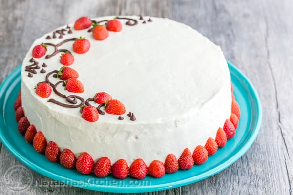Strawberry And Kiwi Cake Decoration