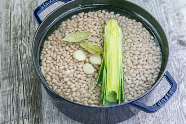 How to Cook Dried Beans: Easy and freezer friendly! Home cooked beans can be used for any recipe that calls for canned beans (BPA free!) | natashaskitchen.com