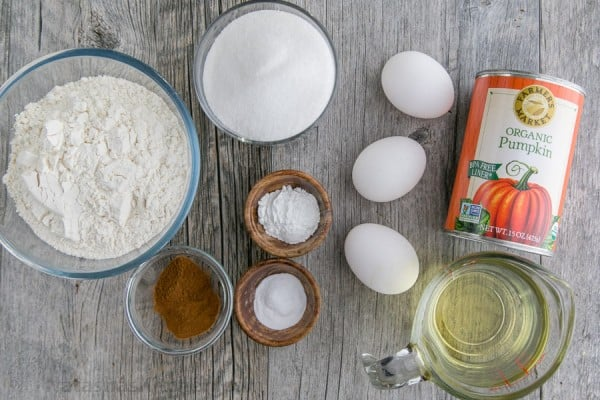 Ingredients for easy pumpkin cake