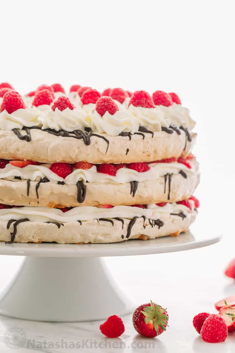 Boccone dolce meringue cake video natasha 39 s kitchen for Natashas kitchen