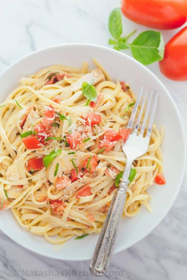 Creamy italian tomato pasta alfredo recipe