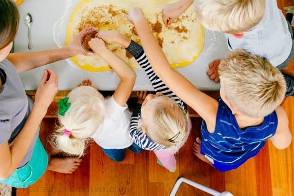 pumpkin-pull-apart-bread-helpers