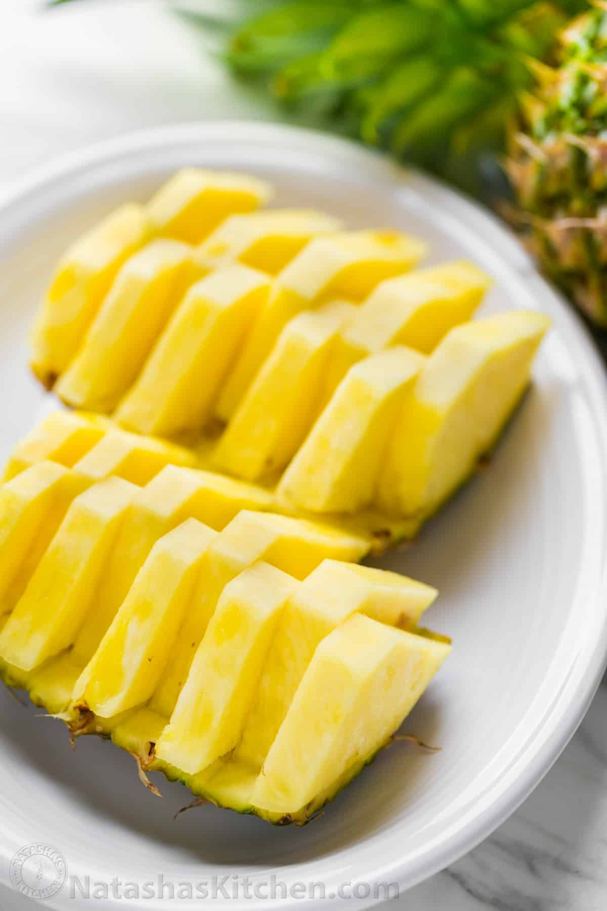 how to cut pineapple in hindi