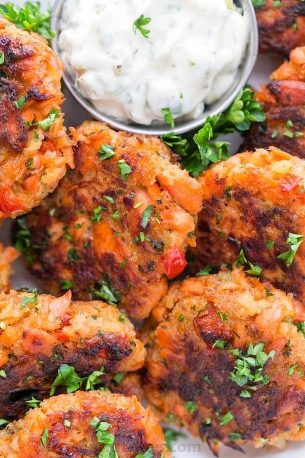 Salmon cakes recipe salmon patties natasha 39 s kitchen for Natashas kitchen