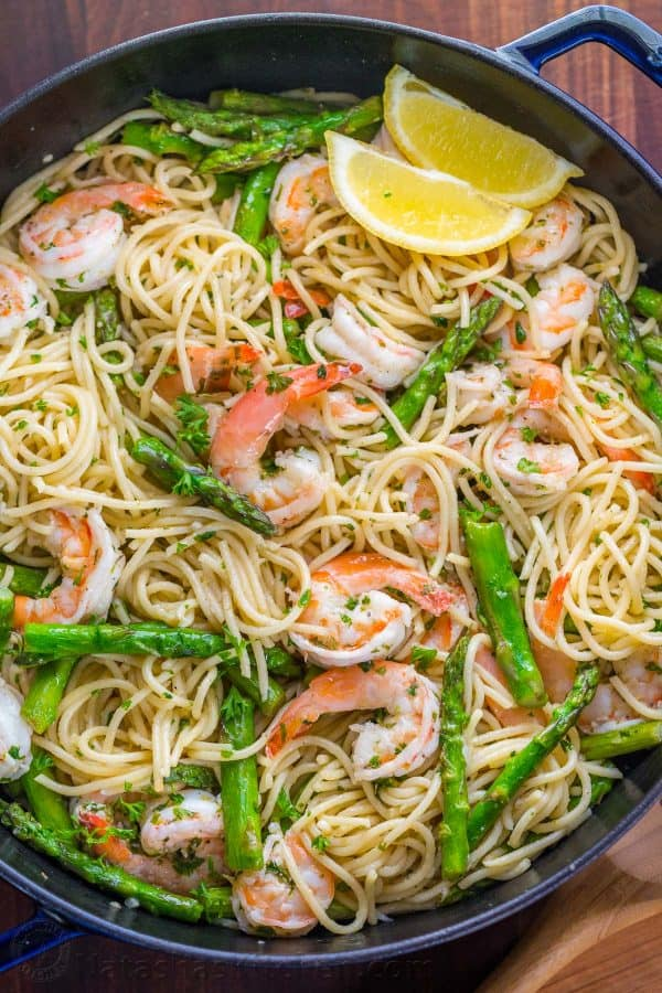 Shrimp Scampi Pasta with Asparagus in pan