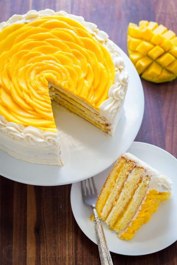 Vanilla Cake With Mango Filling