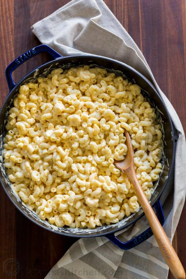 Homemade macaroni and cheese with creamy cheese sauce