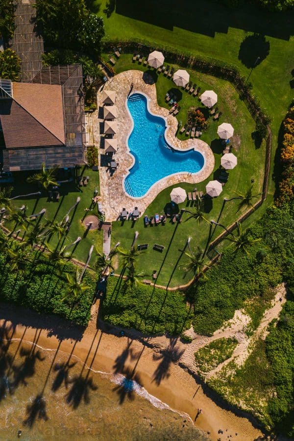 A bird\'s eye view of a home and a pool