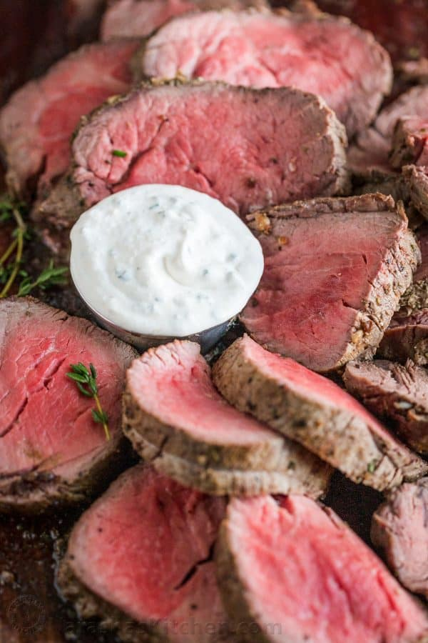 How to serve roasted beef tenderloin with horseradish sauce