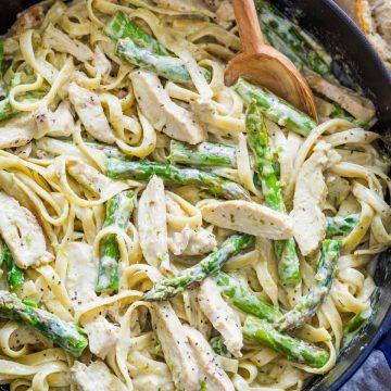 chicken pesto pasta in creamy sauce