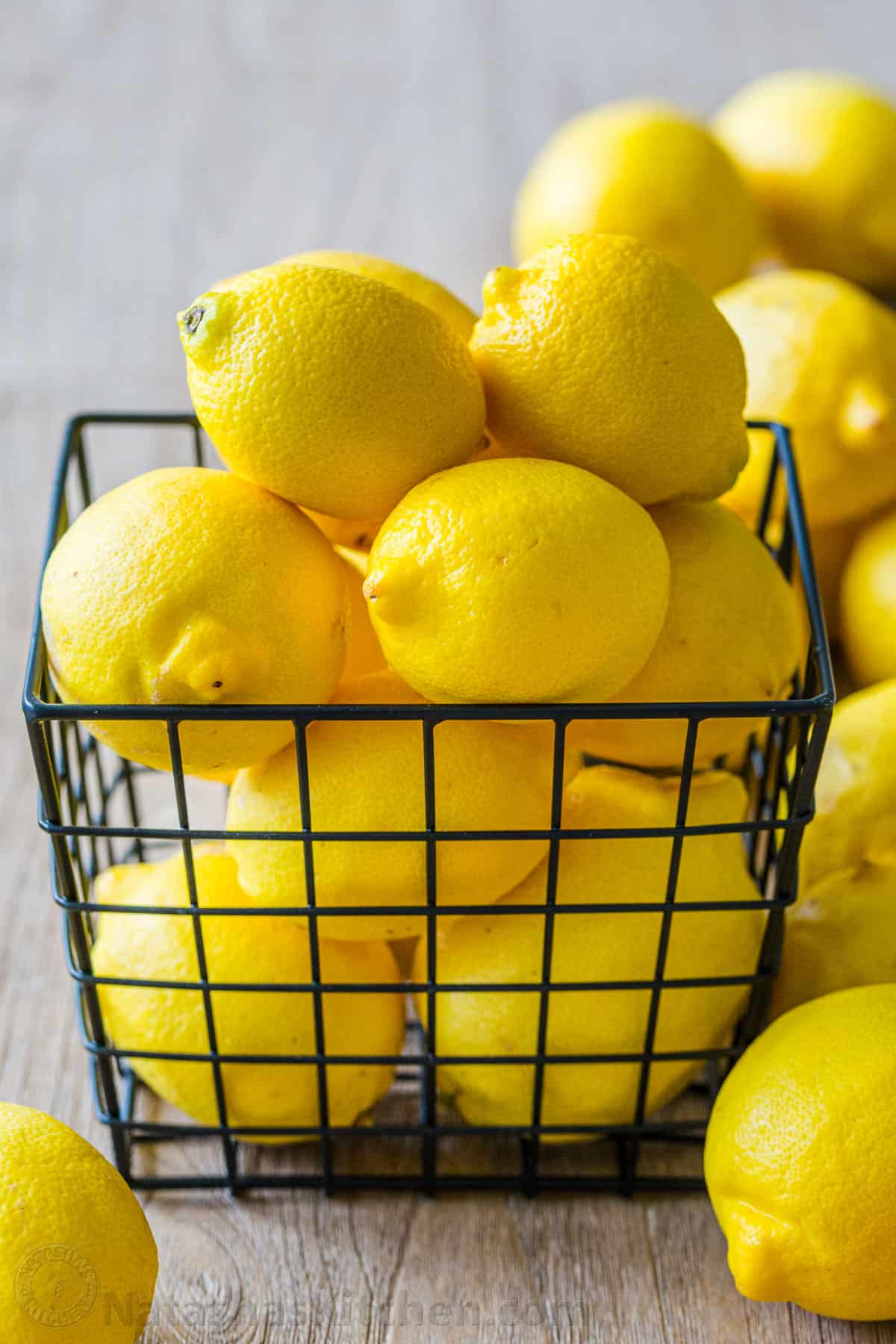 Lemons Zesting Juicing