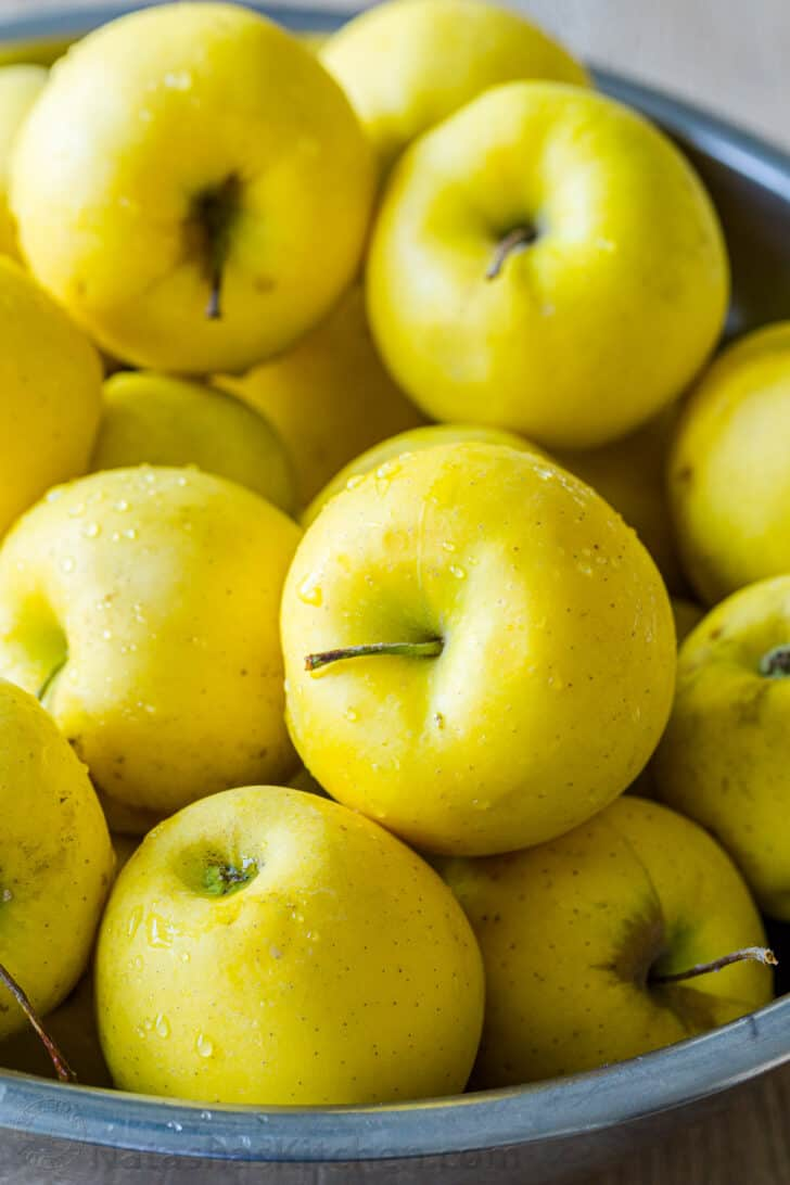 The best apples for applesauce with golden delicious apples photographed