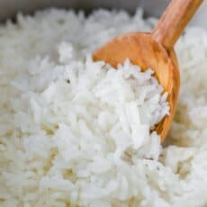 How to cook white rice in saucepan with spoon