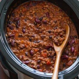 Beef chili in crockpot