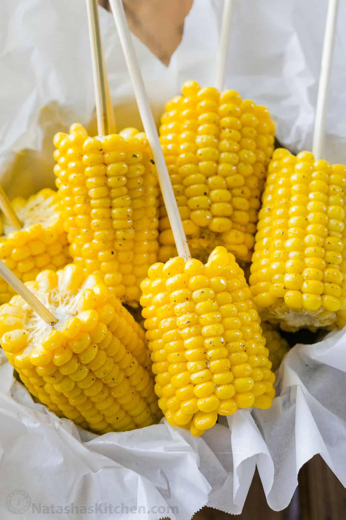 Boiled Corn On The Cob Recipe Natashaskitchen Com
