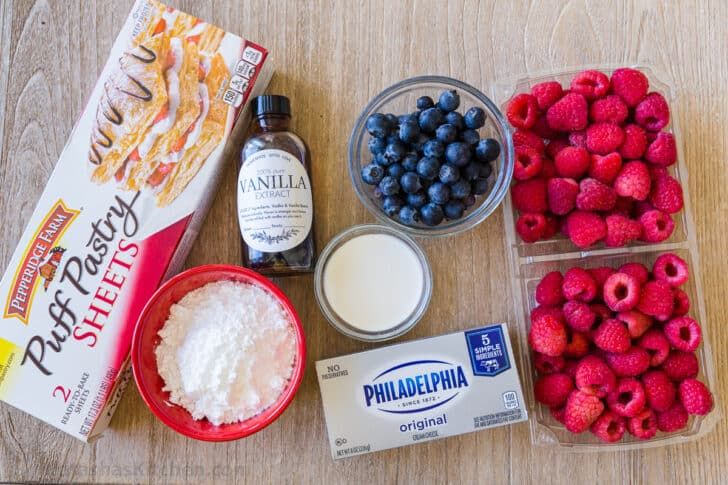 Ingredients for puff pastry berry tart