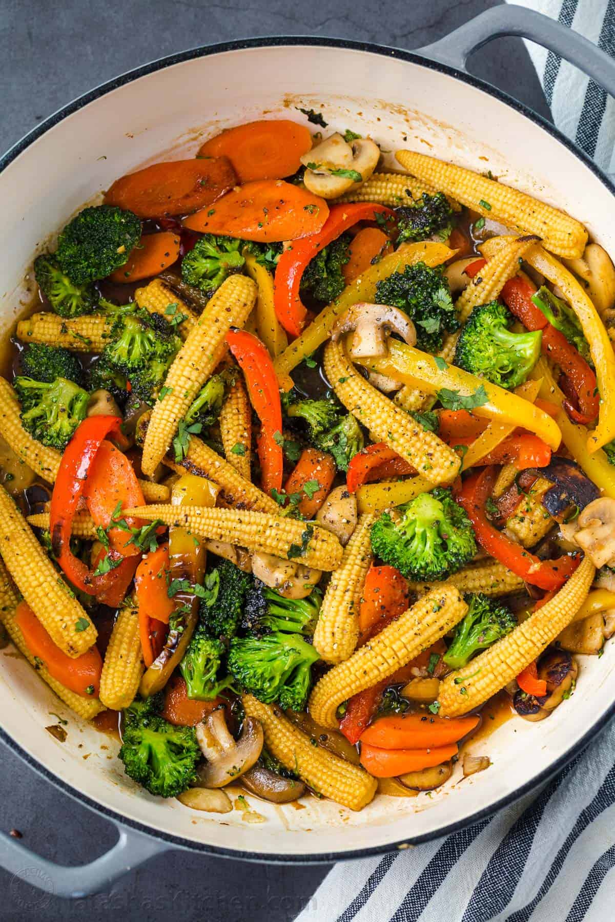 Easy Vegetable Stir Fry Recipe Natashaskitchen Com