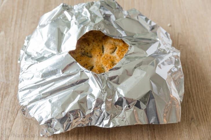 Escudo de pastel sobre pastel