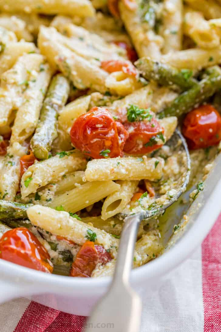 Feta Pasta Casserole with juicy tomatoes