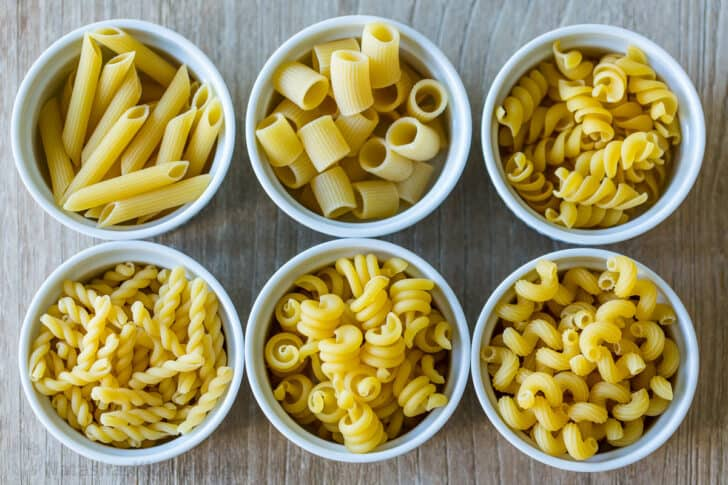 6 varieties of pasta in cups
