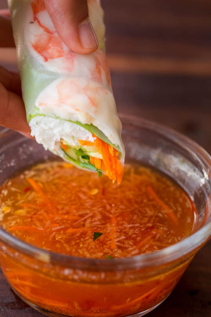 Fresh spring roll dipped in Vietnamese dipping sauce
