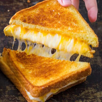 Grilled cheese sandwich with cheese pull